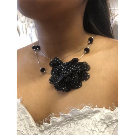 Collier pendentif fleur noir